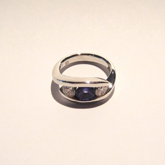 https://www.leachijewellery.co.za/wp-content/uploads/2018/06/Jean-tanzanite-and-diamond-ring-2-540x540.jpg