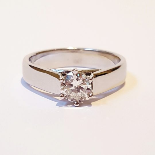https://www.leachijewellery.co.za/wp-content/uploads/2018/06/Karen-ring-front-view-pic-1-540x540.jpg
