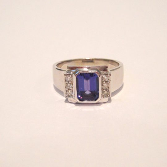 https://www.leachijewellery.co.za/wp-content/uploads/2018/06/Lianne-tanzanite-ring-1-540x540.jpg