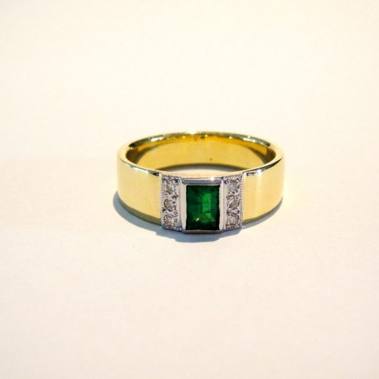 https://www.leachijewellery.co.za/wp-content/uploads/2018/06/Lyndsay-emerald-and-diamond-ring-1-540x540.jpg