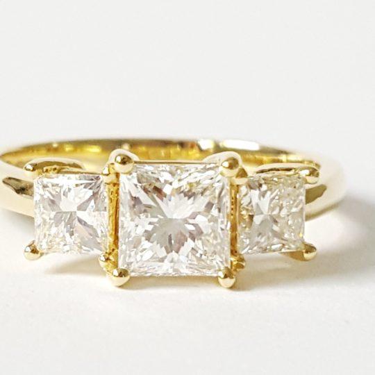 https://www.leachijewellery.co.za/wp-content/uploads/2018/06/Nerene-new-ring-pic-3-540x540.jpg