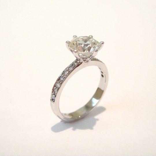 https://www.leachijewellery.co.za/wp-content/uploads/2018/06/Robyn-Lambert-ring-6-540x540.jpg